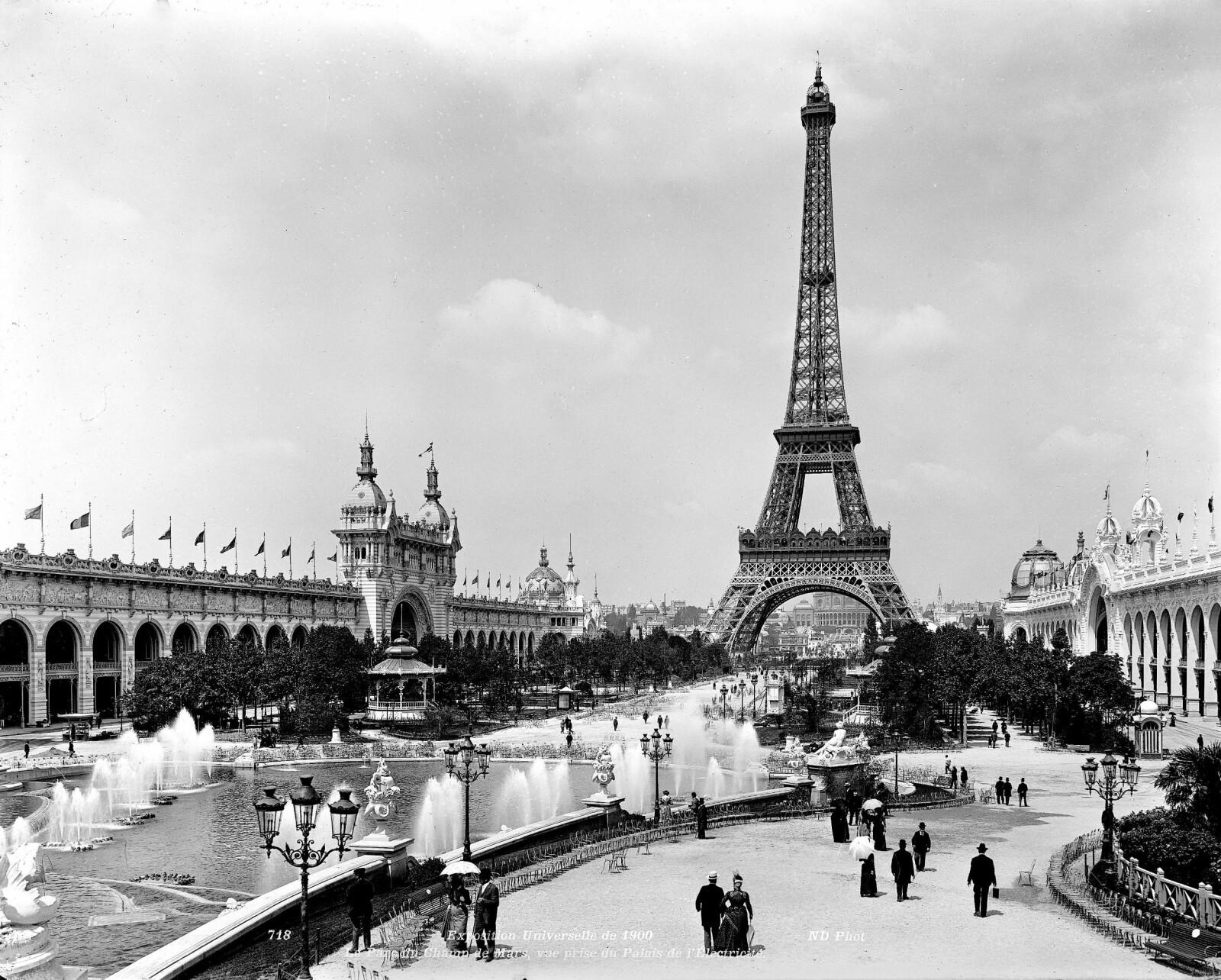 <b>TIL SALGS:</b> Gustave Eiffels tårn ble bygd til verdensutstillingen i Paris i 1889. I 1925 klarte en svindler å overbevise folk om at det skulle vekk.