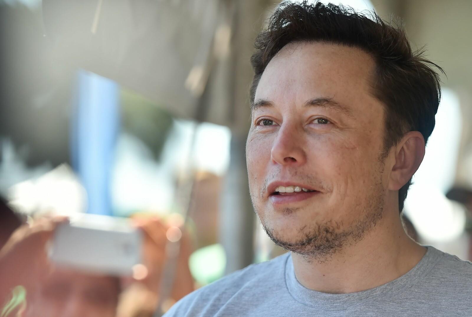 <b>VISJONÆR:</b> Elon Musk har revolusjonert både elbilproduksjon, gjenbrukbare romraketter, nettbetaling og Hyperloop for lynrask persontransport.
