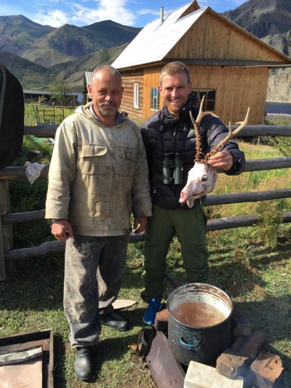 <b>KOKK OG GUIDE:</b> Putins navnebror, Vladimir, var kokk og guide under jaktturen til Sibir.
