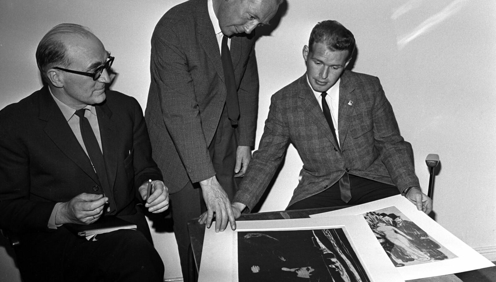 <b>KJENT FJES:</b> Leif A. Lier ble etter hvert en av Norges mest profilerte politimenn. Her er han avbildet under politiets pressekonferanse om Munch-tyveriene i 1968, tre år før drapet i Kristiansund.