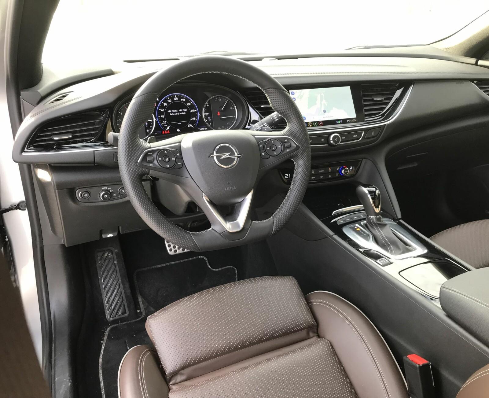UTSTYRSBOMBE: Opel Insignia Country Tourer kommer nærmest med alt tenkelig utstyr som standard.
