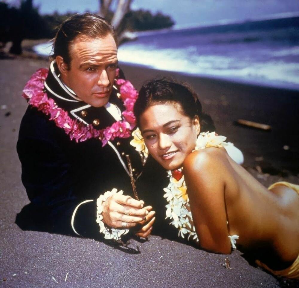 <b><SPAN CLASS=BOLD><STRONG>HOLLYWOOD:</b></strong></span> Mytteriet på Bounty har vært gjenstand for mange Hollywood-produksjoner. Her ser vi Marlon Brando som spilte i én film.Tarita Teriipaia spilteMaimiti i samme film. Hun var for øvrig Brandos tredje kone.