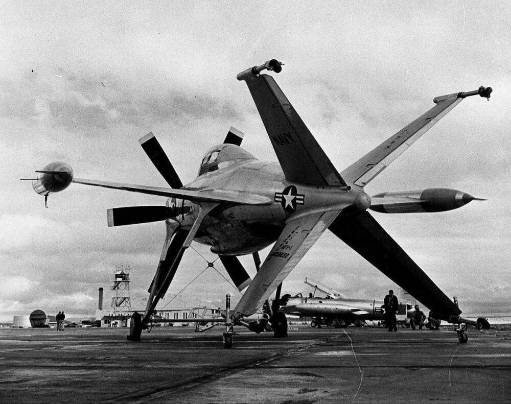 <b>NUMMER 3:</b> Lockheed XFV skulle kunne ta av og lande vetikalt.
