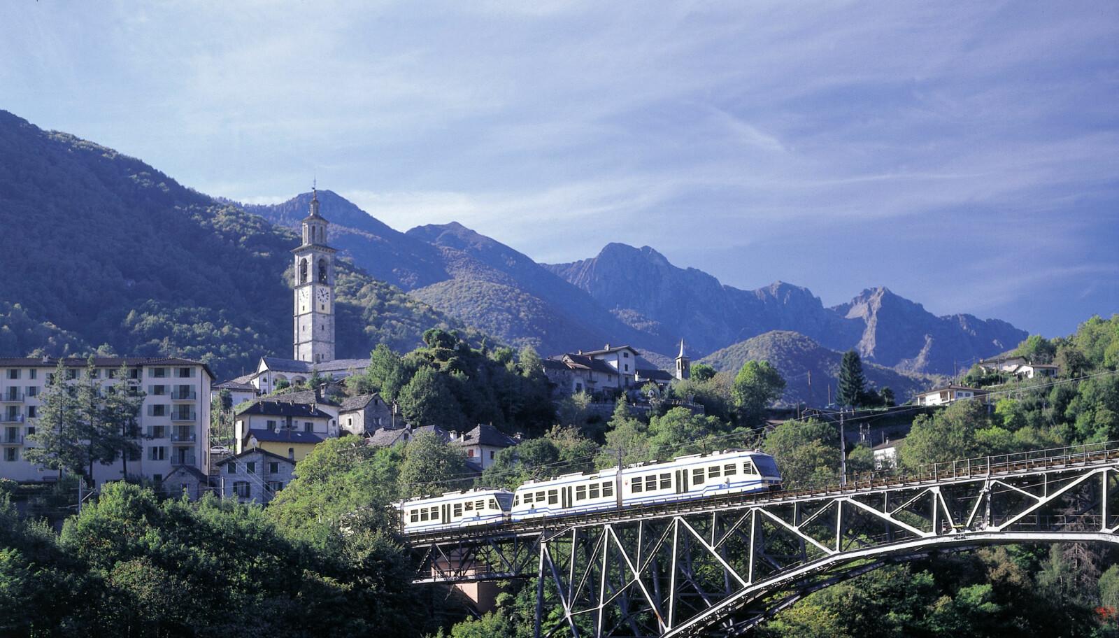 <b>CENTOVALLI EXPRESS:</b> Byr på en spektakulær togreise mellom Sveits og Italia.
