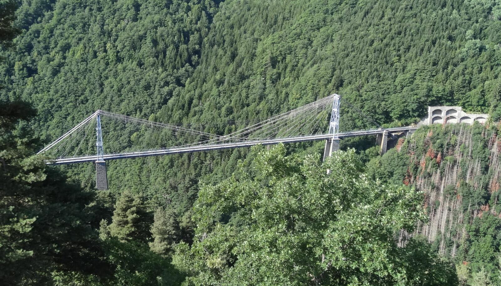 <b>HENGEBRO:</b> Pont de Gisclard i godvær.