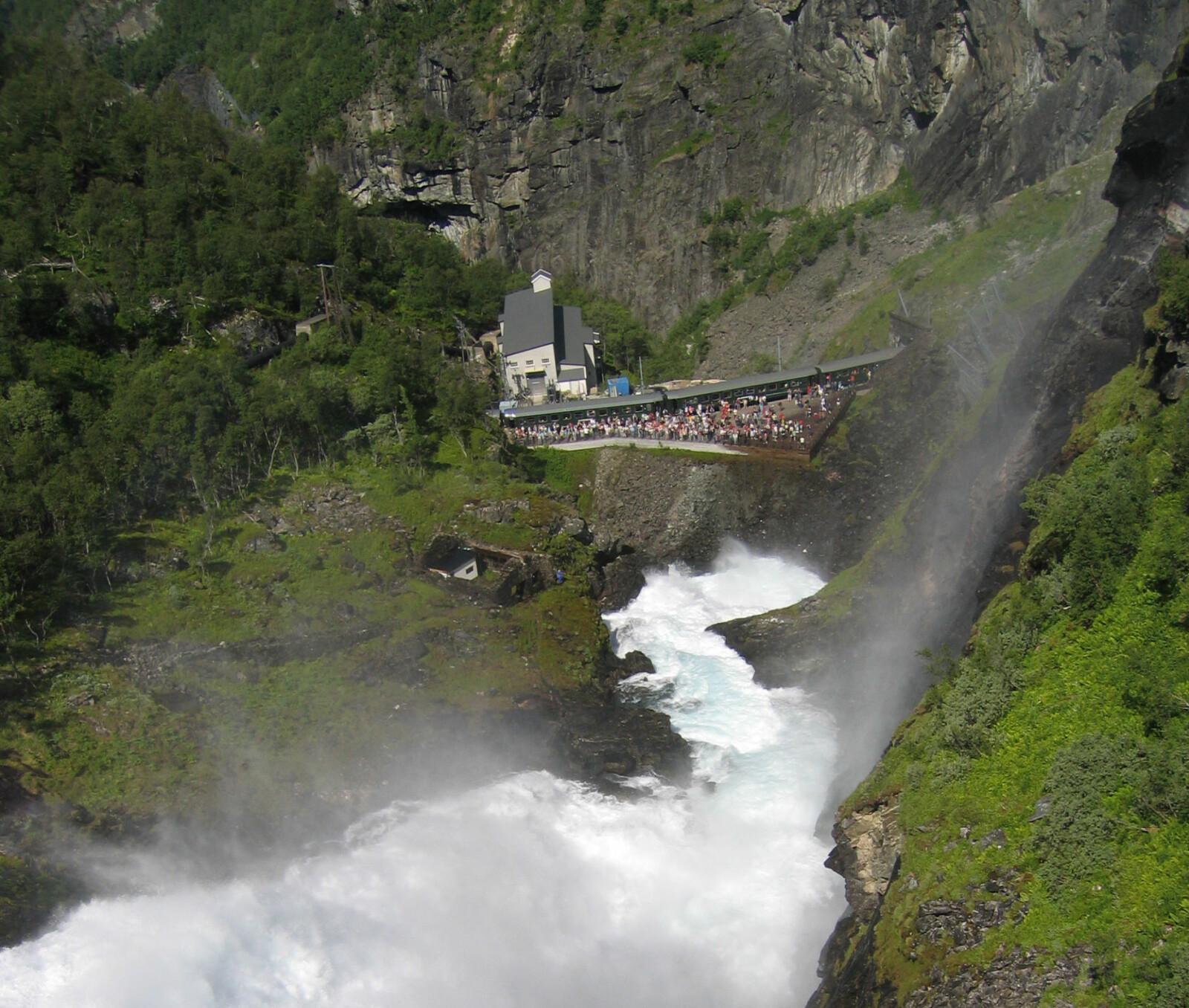 <b>FLÅMSBANEN:</b> Hvert år kommer tusenvis av turister til Norge for å kjøre Norges mest spektakulære togtur, Flåmsbanen.