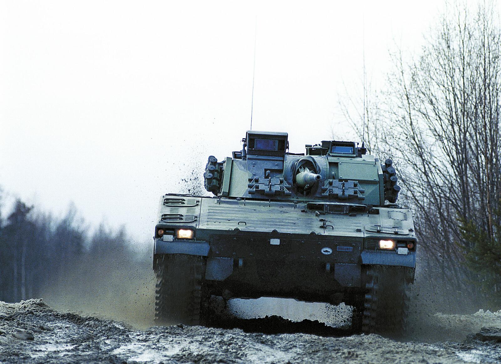 <b>TEST: </b>Testing av Stormpanservognen CV9030 på Hägglunds fabrikker i Örnsköldsvik i Sverige.