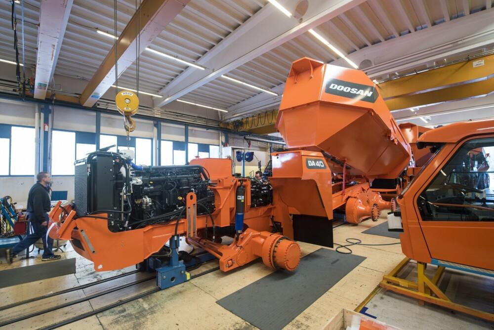 <b>MADE IN NORWAY:</b> På fabrikken i Elnesvågen produseres 200 dumpere årlig.