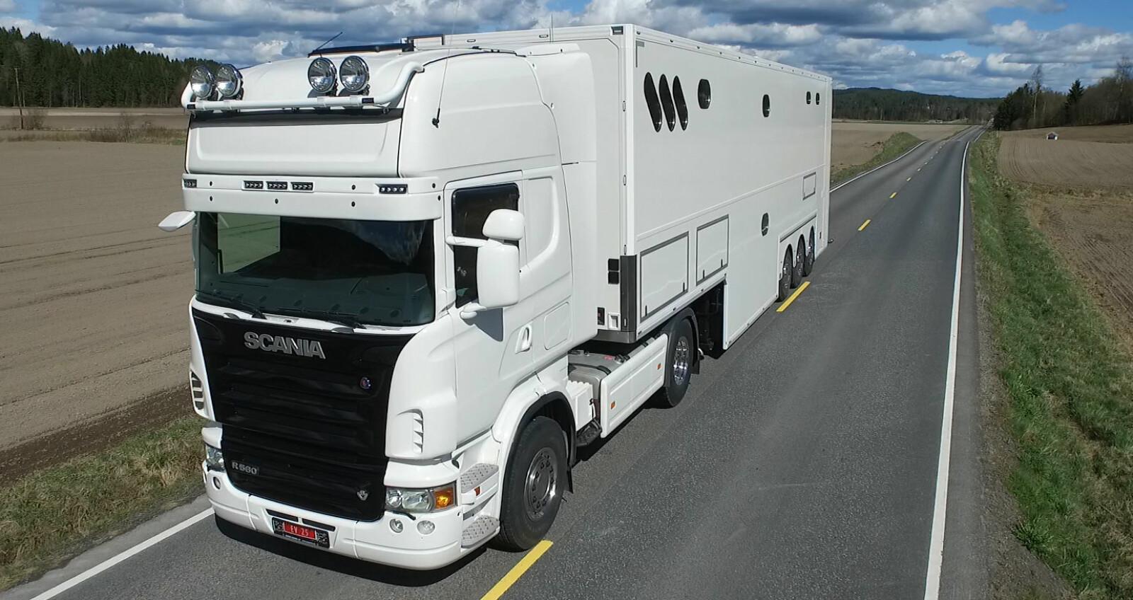 Nytt Luksusbobil: Bygde om vogntog til bobil - Bobil JS-49