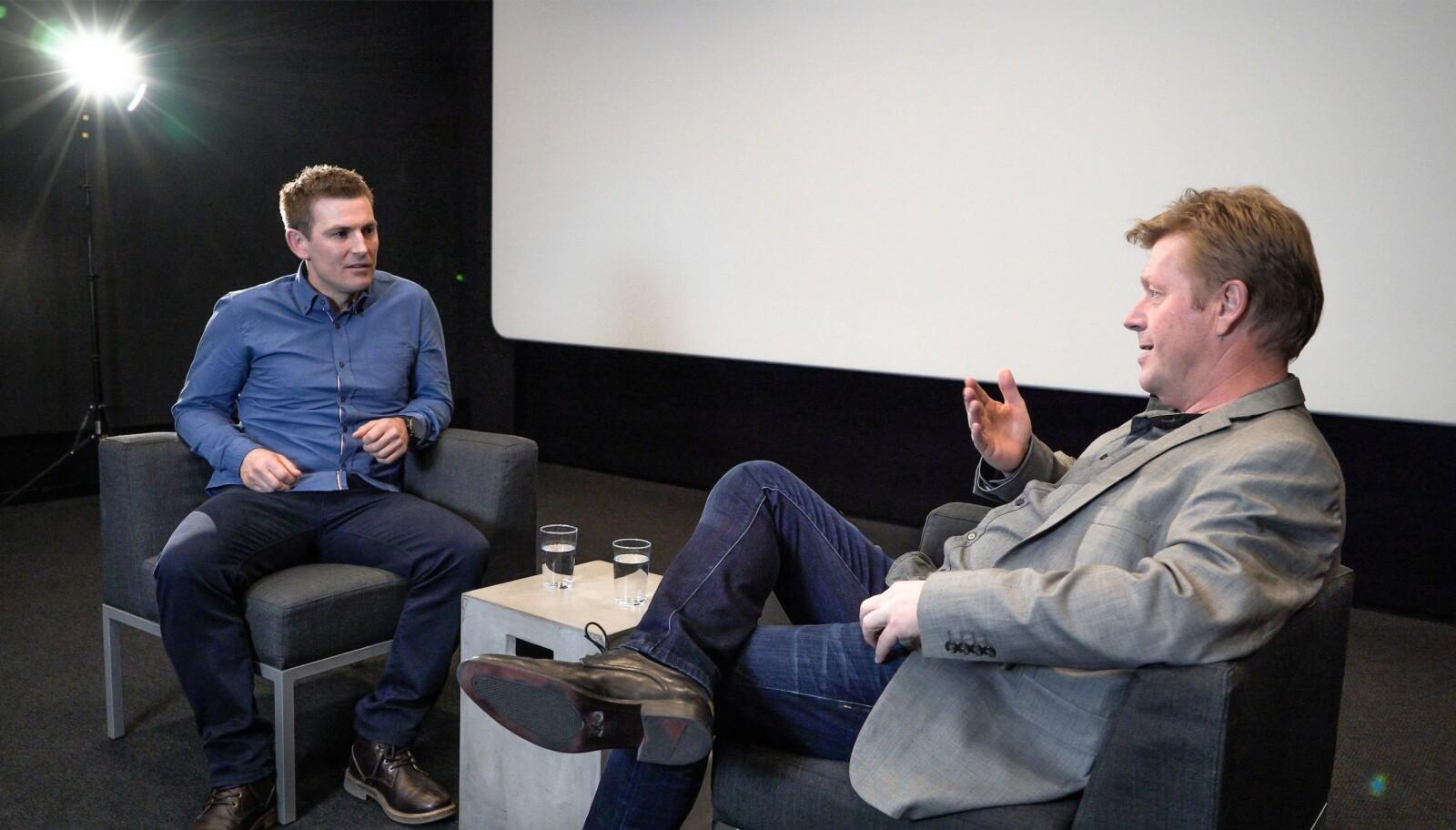 """<b>ET ØYEBLIKK - EN EVIGHET: </b>Her er jeg i samtaler med psykolog Arne Jørstad Riise fra Olympiatoppen. Våre samtaler ble filmet og redigeres i disse dager som et ledd i prosjektet """"Et Øyeblikk- En Evighet"""". Gleder meg til å se resultatet."""