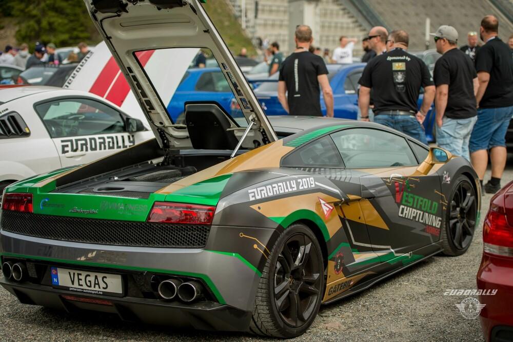 <b>LAMBO:</b> Lamborghini Gallardo med Vegas-skilt i årets Eurorally.