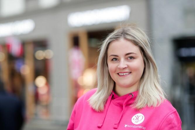 <b>NETTSALGET ØKER:</b> Hos Kondomeriet har Marthe Sørflaten sett god vekst i salget av sexleketøy for menn. Nettsalget av Fleshlight-serien har doblet seg på tre år.