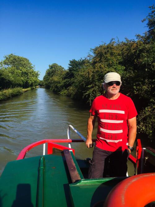 <b>INGEN SPEEDBÅT:</b> Kanalbåtene går i gangfart, og er relativt enkle å manøvrere så lenge de går framover. I revers er det omtrent ingen styring.