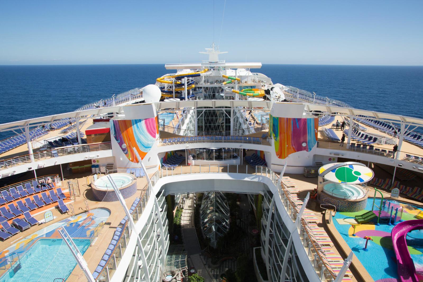 <b>CRUISE-GIGANT:</b> Med sine 362 meter er Symphony Of the Seas verdens største cruiseskip.