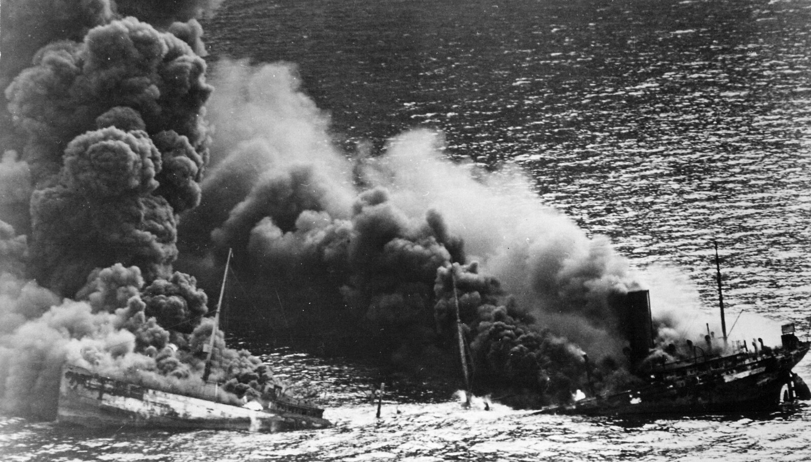 <b>STORE TAP:</b> Operasjon Paukeslag påførte De allierte store materielle og menneskelige tap. Dixie Arrow ble torpedert utenfor Cape Hatteras av U-71 26. mars 1942.
