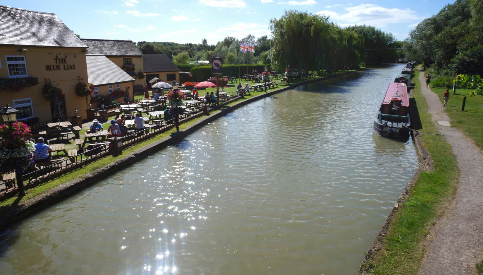 <b>MAT OG DRIKKE:</b> Det er aldri langt til nærmeste restaurant eller pub langs kanalene.