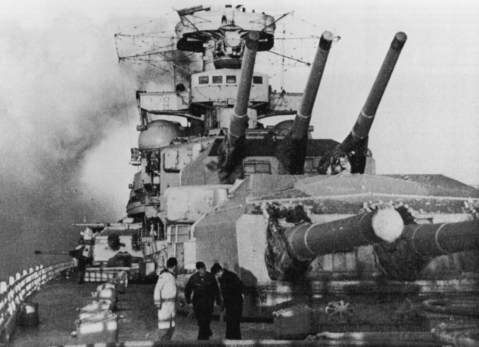 <b>FUNNET I ÅR 2000:</b> Ingen så slagkrysseren «Scharnhorst» synke 2. juledag 1943. Først høsten år 2000 ble vraket lokalisert i internasjonalt farvann på Nordkappbanken, 66 nautiske mil nordøst for Nordkapp.