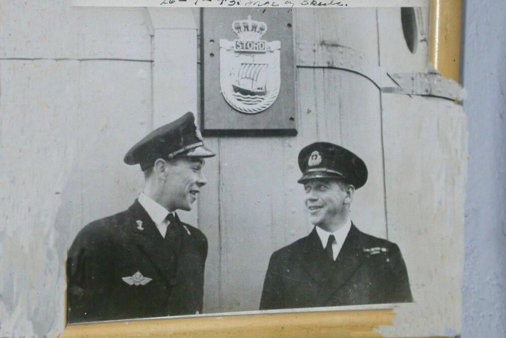 <b>BRØDRE HØYT OG LAVT:</b> Inge Storheill (t.v.) kjempet som marineflyger i Japan, mens storebror Skule var i sjøslag.