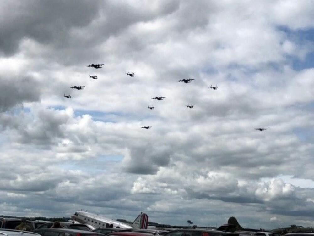 <b><SPAN CLASS=BOLD><STRONG>EN ARMADA:</b></strong></span> 6. juni 1944 var himmelen over Normandie dekket av allierte fly. 75 år senere gjentas en miniversjon av invasjonen for å hedre alle de som gjorde en innsats for å knuse Nazi-Tyskland.