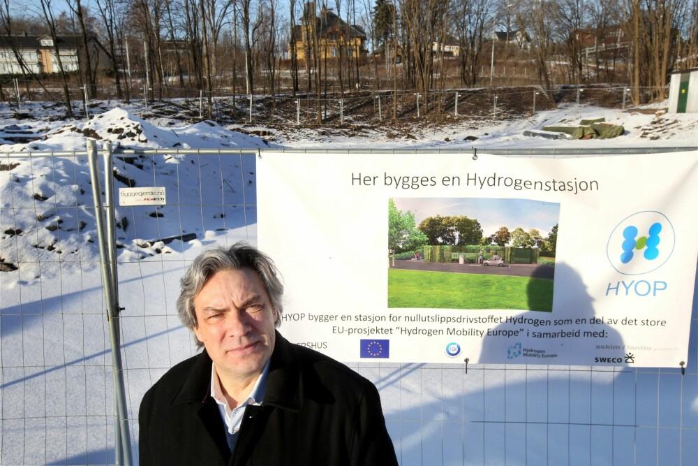 <b><SPAN CLASS=BOLD><STRONG>GRÅ HÅR:</b></strong></span> I tre år jobbet Ulf Hafseld og Hyop for å realisere planer om en hydrogenstasjon på Høvik i Bærum.