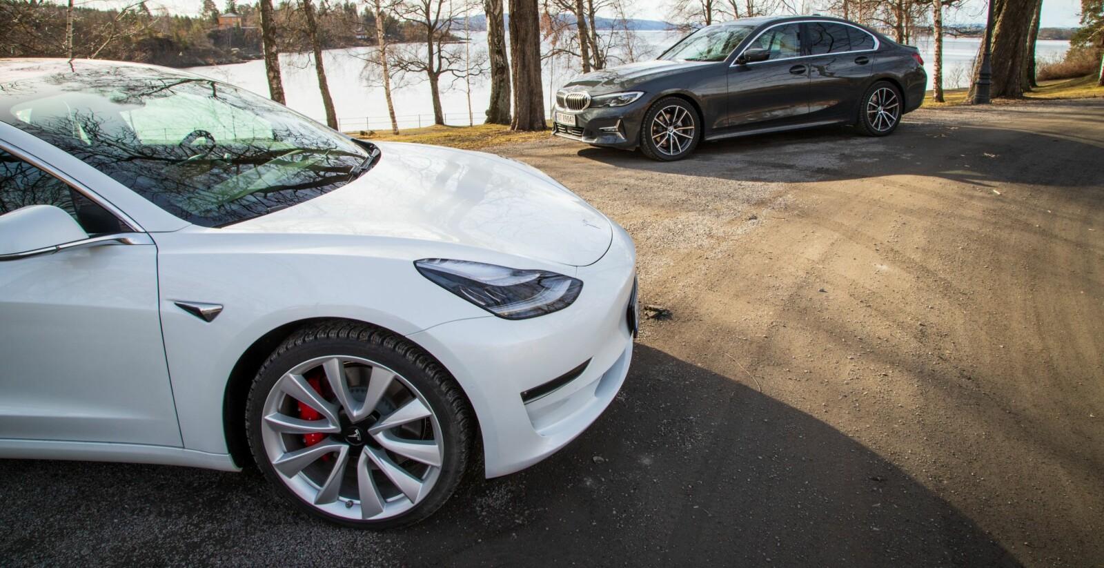 <b>TIDSDUELLEN:</b> BMW 3-serie representerer alle gode tradisjonelle verdier for en sportssedan. Tesla Model 3 mange av de nye.