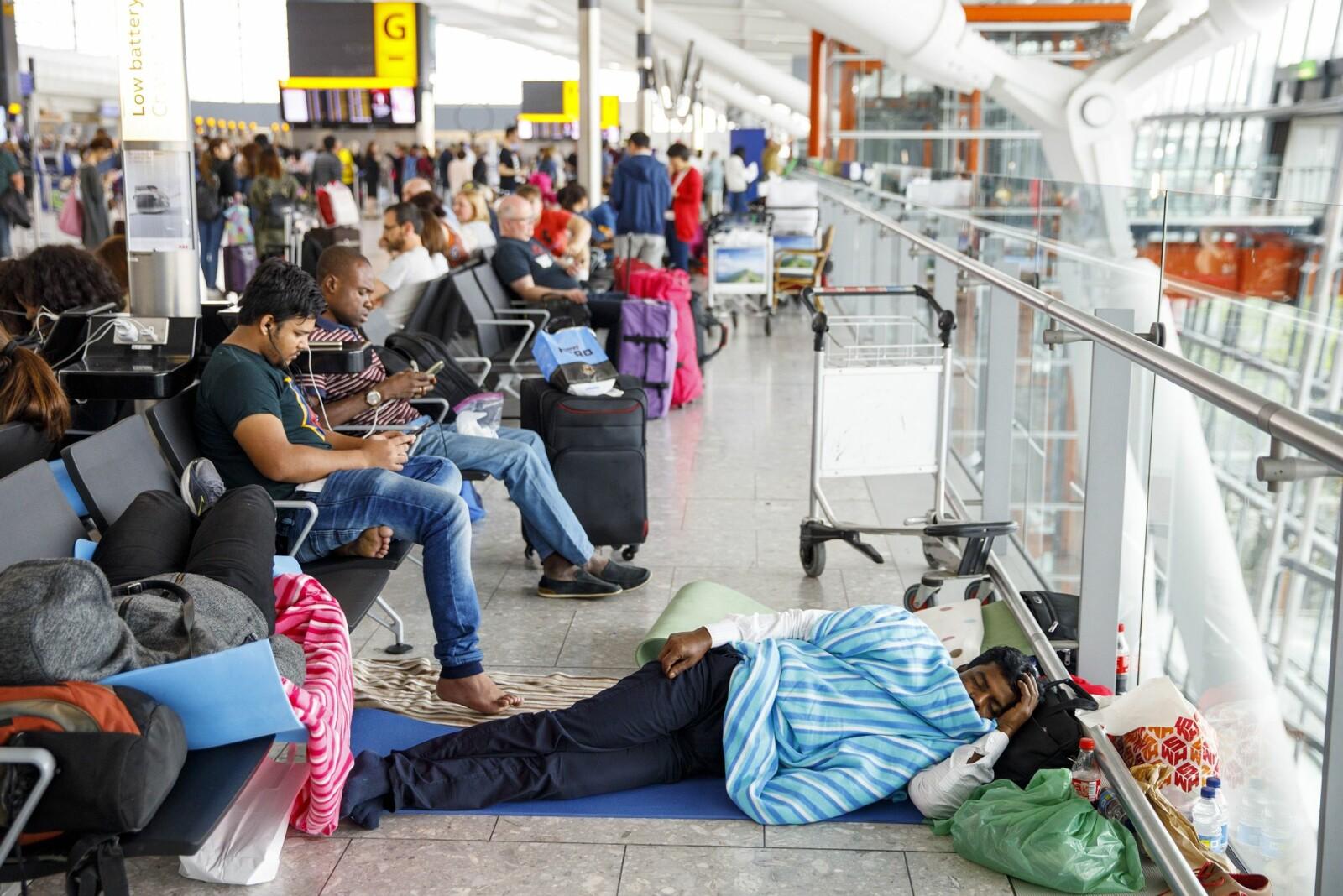 """<span class=""""bold"""">IT-krasj</span> Ferietrafikken ble for heftig for British Airways. I 2017 krasjet it-systemene på Heathrow flyplass i London. Flyselskapene skylder gjerne på vær og flyveledere. Men hvem har skylden i de største forsinkelsene?"""