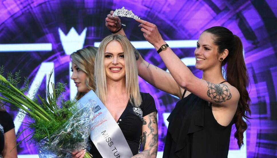 Vanessa Knauf (23) fra Darmstadt er årets Miss Tuning og fikk kronen av Laura Fietzek, Miss Tuning 2018.