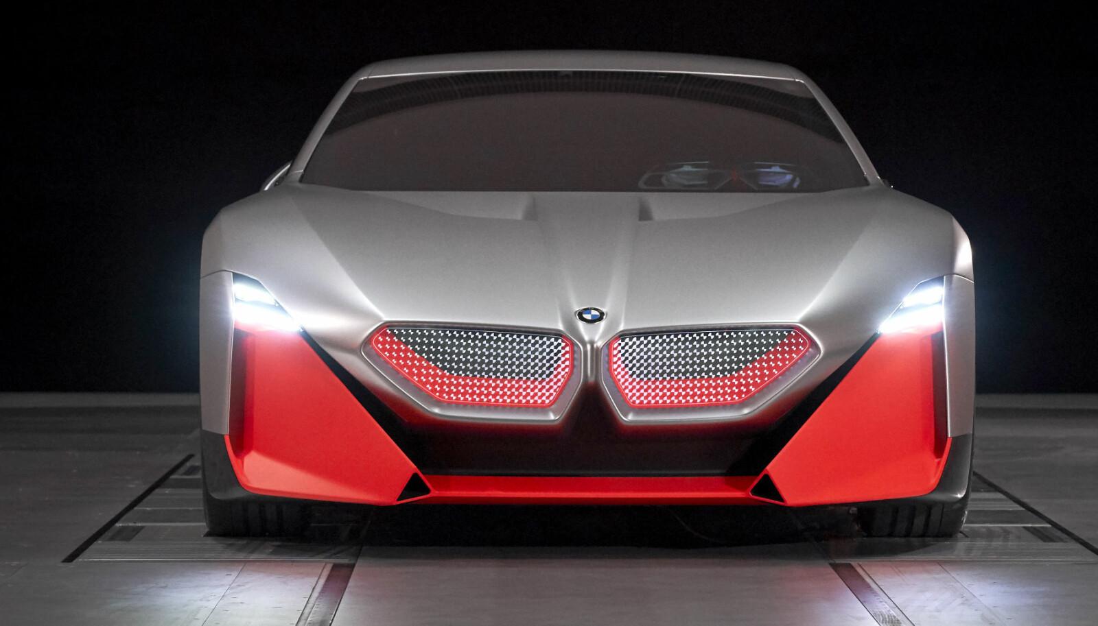 <b>KRAFTIG:</b> Konseptet har både bensinmotor og to elmotorer.