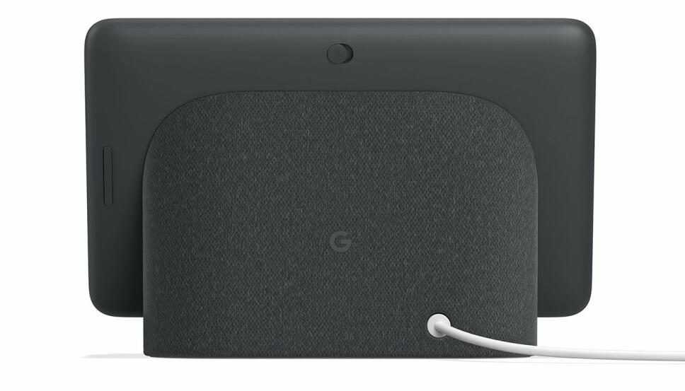 """<b>MUTE: </b>Knappen på baksiden muter mikrofonen, slik at den ikke kan lytte etter """"Hei Google"""" eller """"Ok Google""""."""