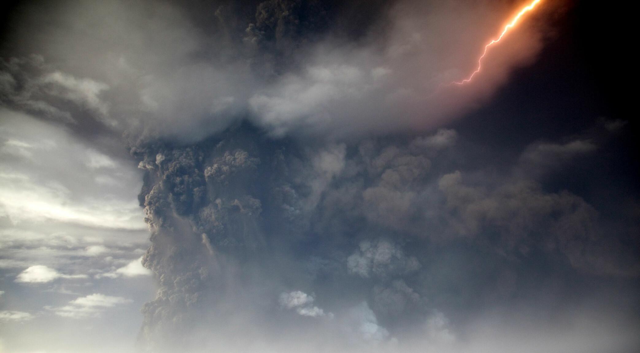<b>UTBRUDD I 2011:</b> Det foreløpige siste utbruddet fra Grimsvötn skjedde i mai 2011. Utbruddet var kraftig nok til å stenge Islands flyplasser.