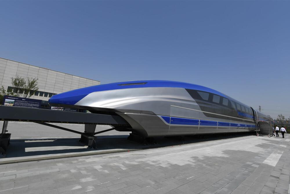 <b>MAGLEV:</b> I mai i år avduket Kina en prototype på sitt første maglev-tog som de har utviklet selv. Toget er bygget for hastigheter opp mot 600 km/t.
