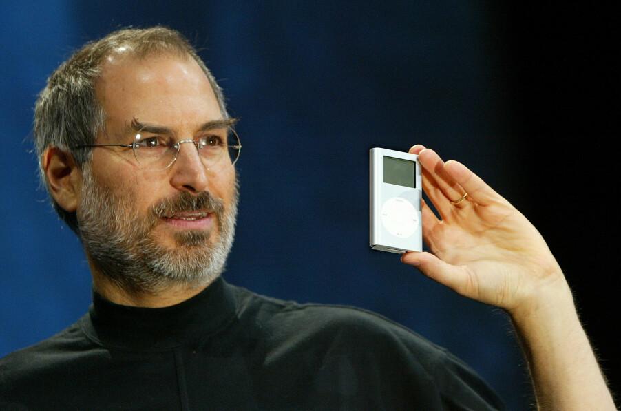 <b>IVES DESIGN:</b> Steve Jobs viser fram Mini iPod i 2004