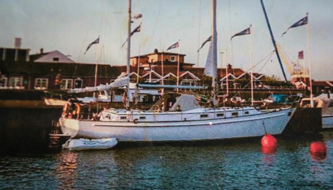 <b>SOLID SKUTE:</b> Den 46 fot store, tomastede seilbåten fotografert i Horten havn.