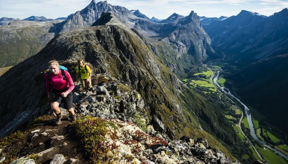 Den norske fjellheimen har flere fantastisk kvasse og smale fjellrygger - ikke minst Romsdalseggen.