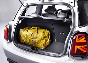<b>LIKT SOM BENSINVERSJONEN:</b> Bagasjeromsvolumet skal være 211 liter - det samme som hos 3-dørsvarianten med bensinmotor.
