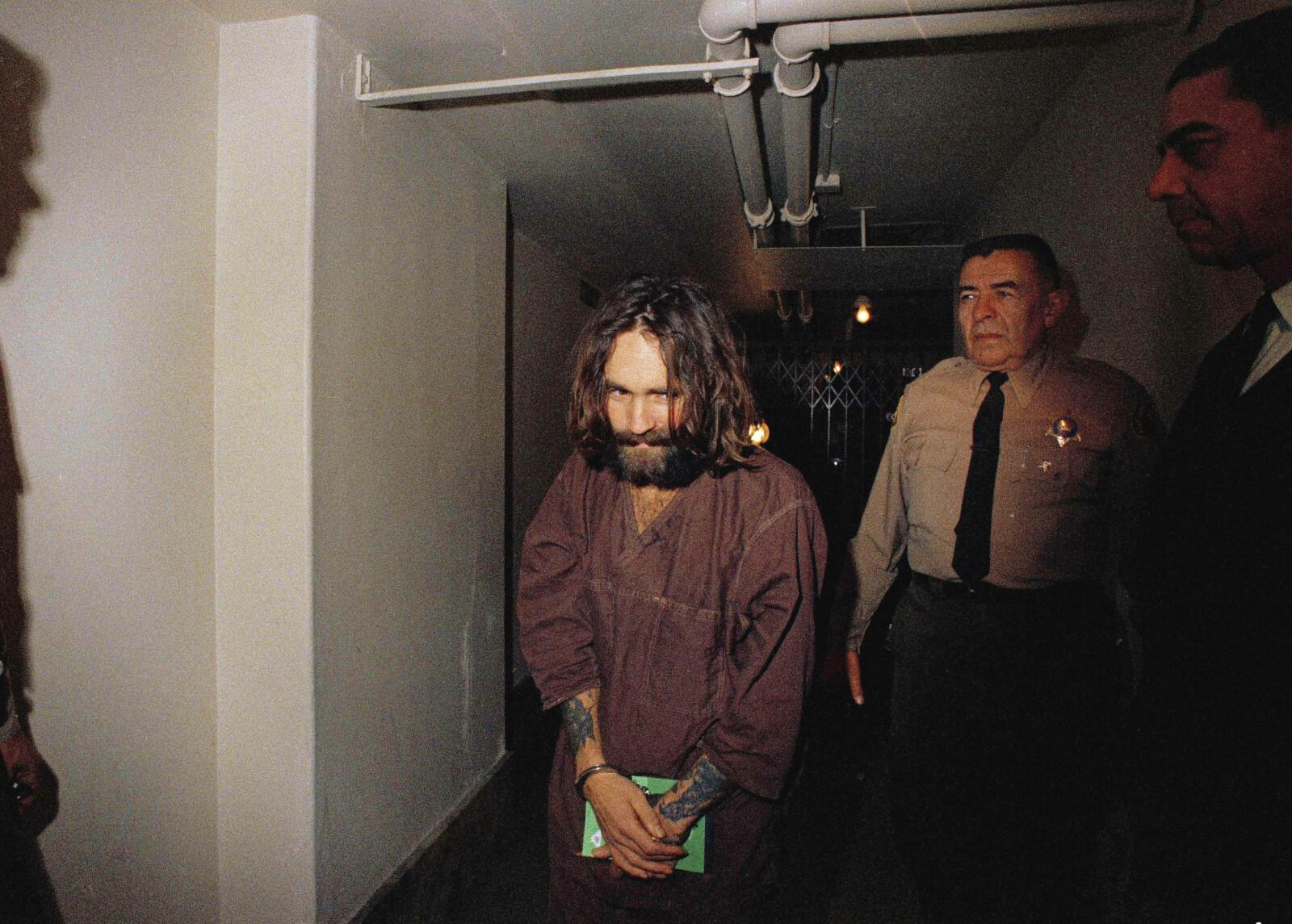 <b>MANIPULATOREN:</b> Charles Manson hadde hypnotisk makt over de andre i det halvreligiøse hippiesamfunnet han skapte <br/>ute i ørkenen i California. De drepte vilt fremmede personer utenå stille spørsmål.
