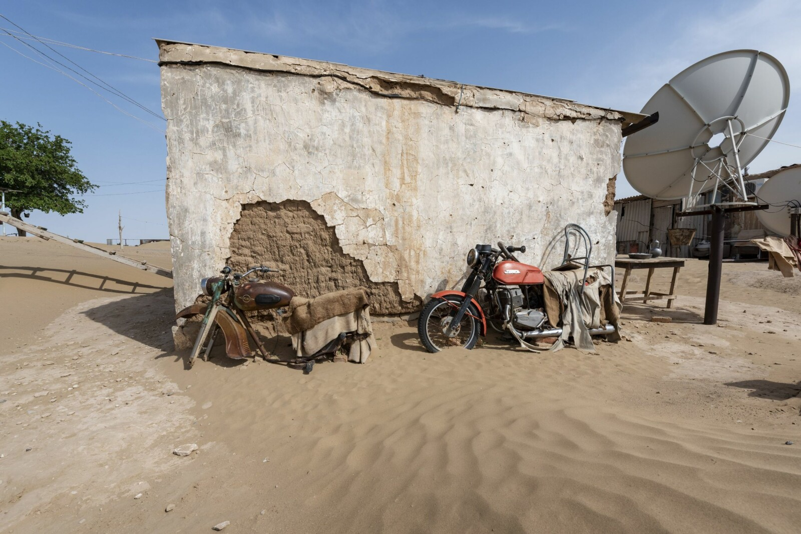 <b>BOKURDAK:</b> Landsbyen Bokurdak ligger ved starten på Karakum-ørkenen. De begynner å gå tomme for reservedeler til motorsykkelen.