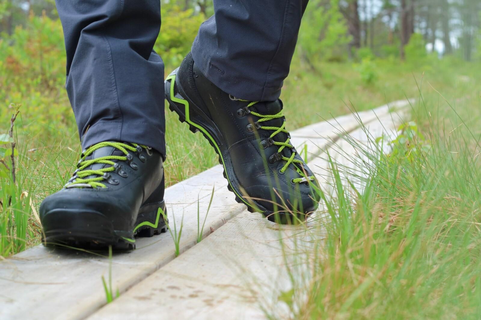 <b>BRUKSOMRÅDE:</b> Skal du bære tung sekk? Da er det flere hensyn å ta når du velger fjellstøvler.