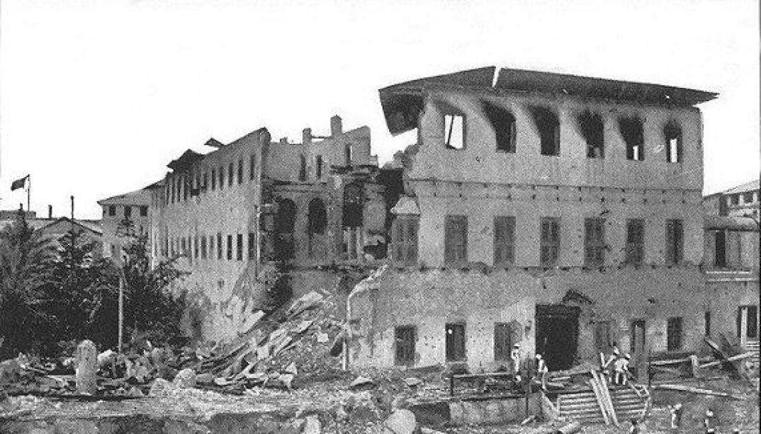 <b>HERJET:</b> Ruiner av palasset etter angrepet.