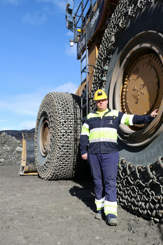 <b>DIMENSJONER:</b> Hjulene har til sammen rundt 19 tonn medkjetting fra Flom Kjetting på Stathelle.