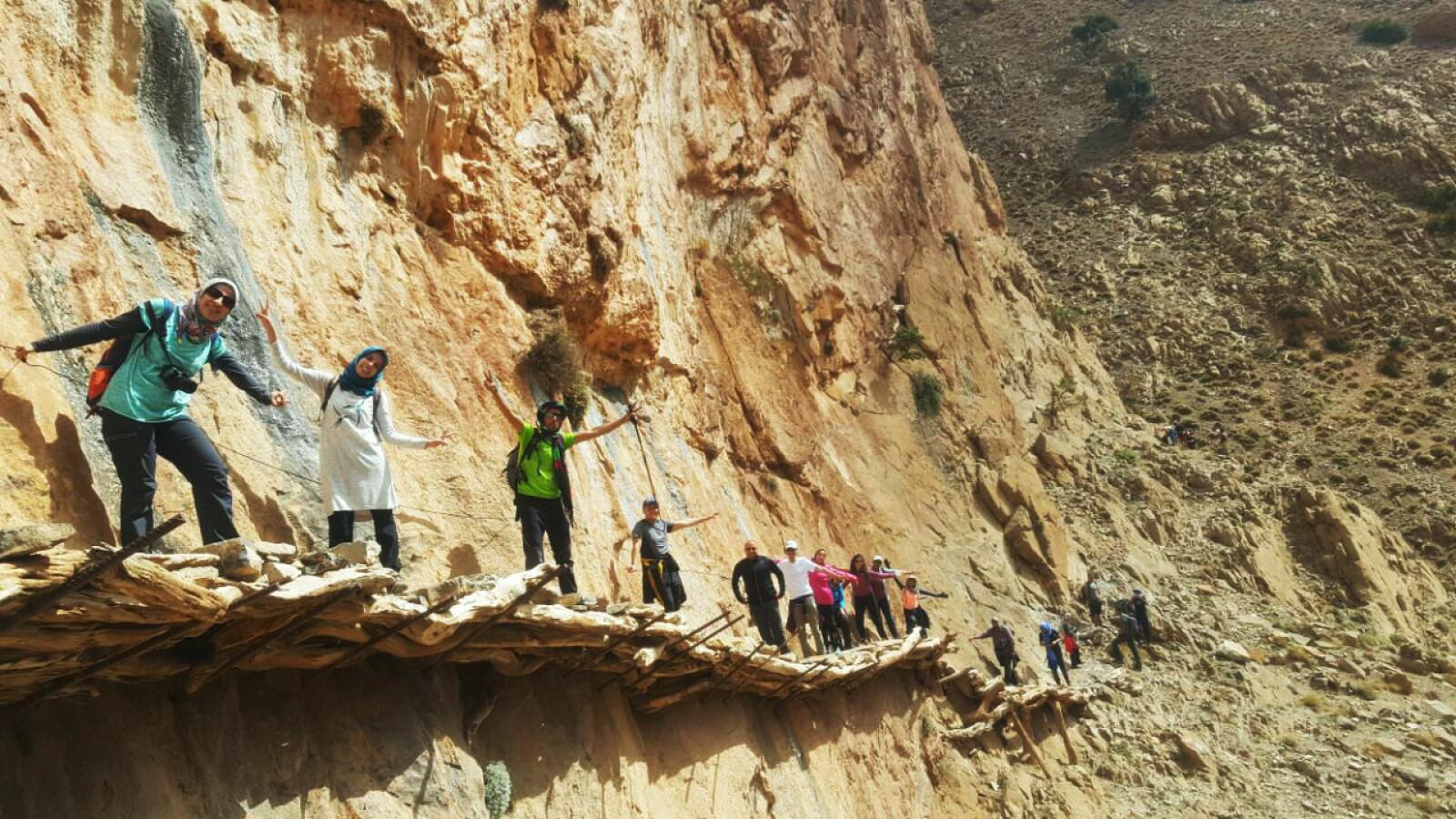 <b>BERBERBROEN:</b>Passage des ponts berberes er en enkel, men luftig passasje i Taghia <br/>i Marokko.