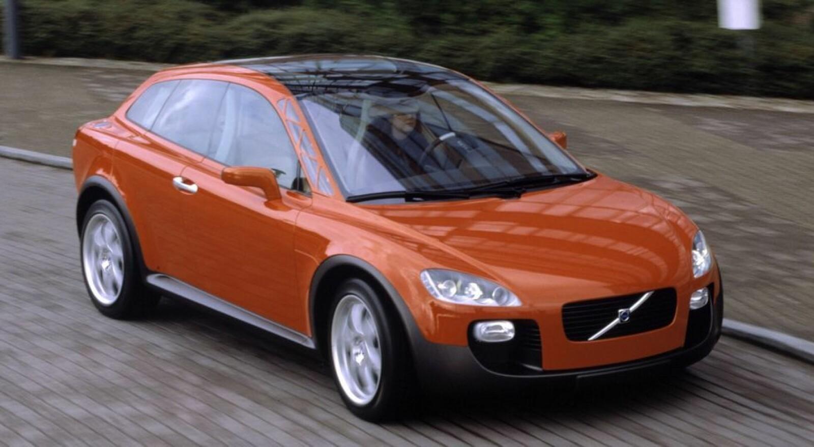 <b><SPAN CLASS=BOLD><STRONG>SIKKERHETSBIL:</b></strong> </span>Volvo Safety Concept Car, Volvo SCC, satte fart på Volvos sikkerhetsstrategi.