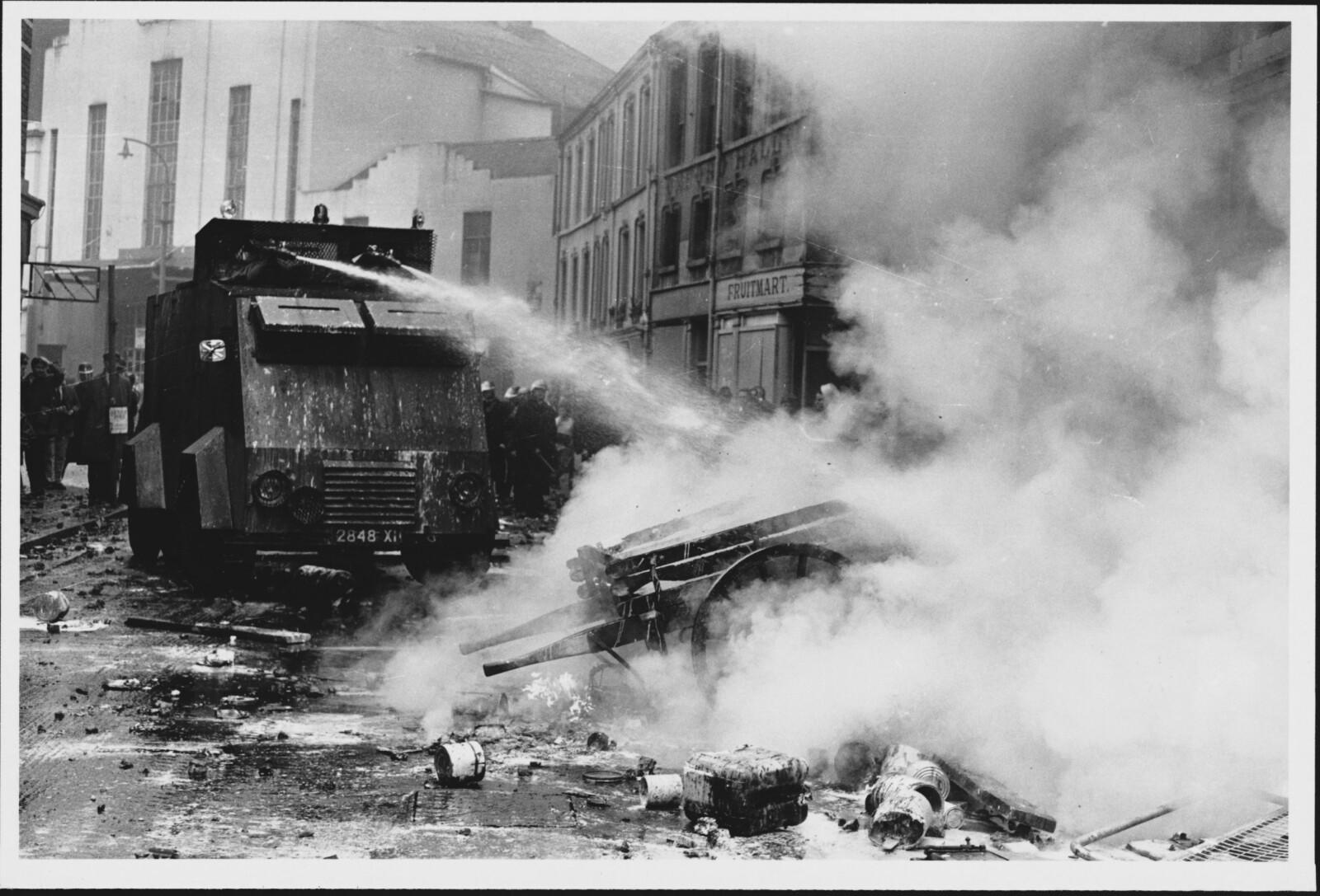 <b><SPAN CLASS=BOLD><STRONG>SLAGMARK:</b></strong> </span>Bogside var en slagmark i 1969 og skulle bli det igjen.