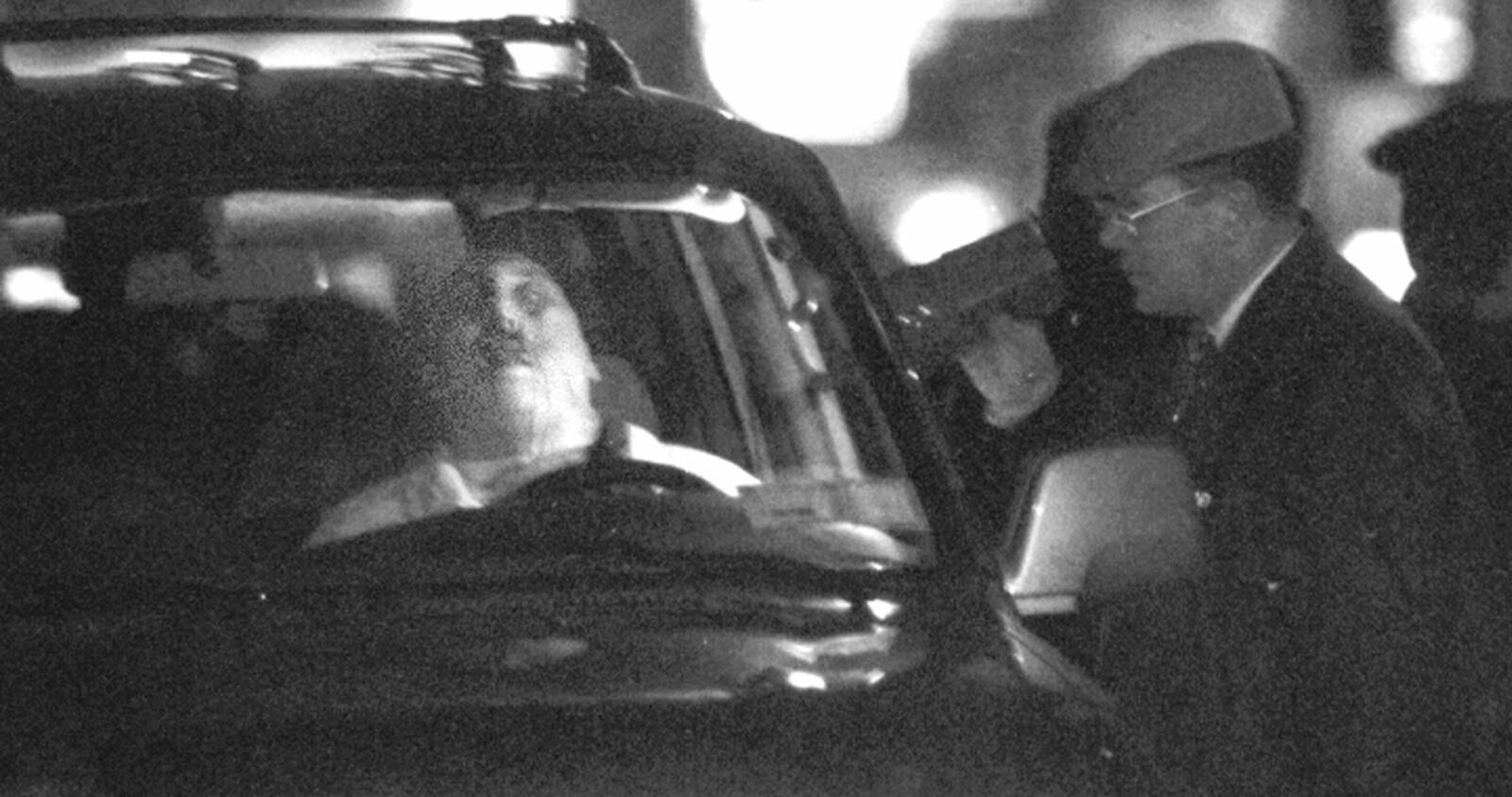<b>KRIG I COLOMBO-FAMILIEN:</b> Tidig på 90-tallet brøt det ut fraksjonskrig i Colombo-familien da Vittorio Orena utfordret makten til den fengslede gudfaren Carmine Persico. Nicholas Nicky Black Grancio satset på Orena. Det ble hans bane. I januar 1992 ble han skutt og drept i sin Toyota Land Cruiser utenfor klubben han pleide å frekventere. Han ble drept av Scarpas gjeng som var lojale mot Persico.Scarpa var svekket av sykdom, men drapsinstinktet var inntakt. Scarpa skjøt Grancio flere ganger i hodet for å forvisse seg om at han var død.