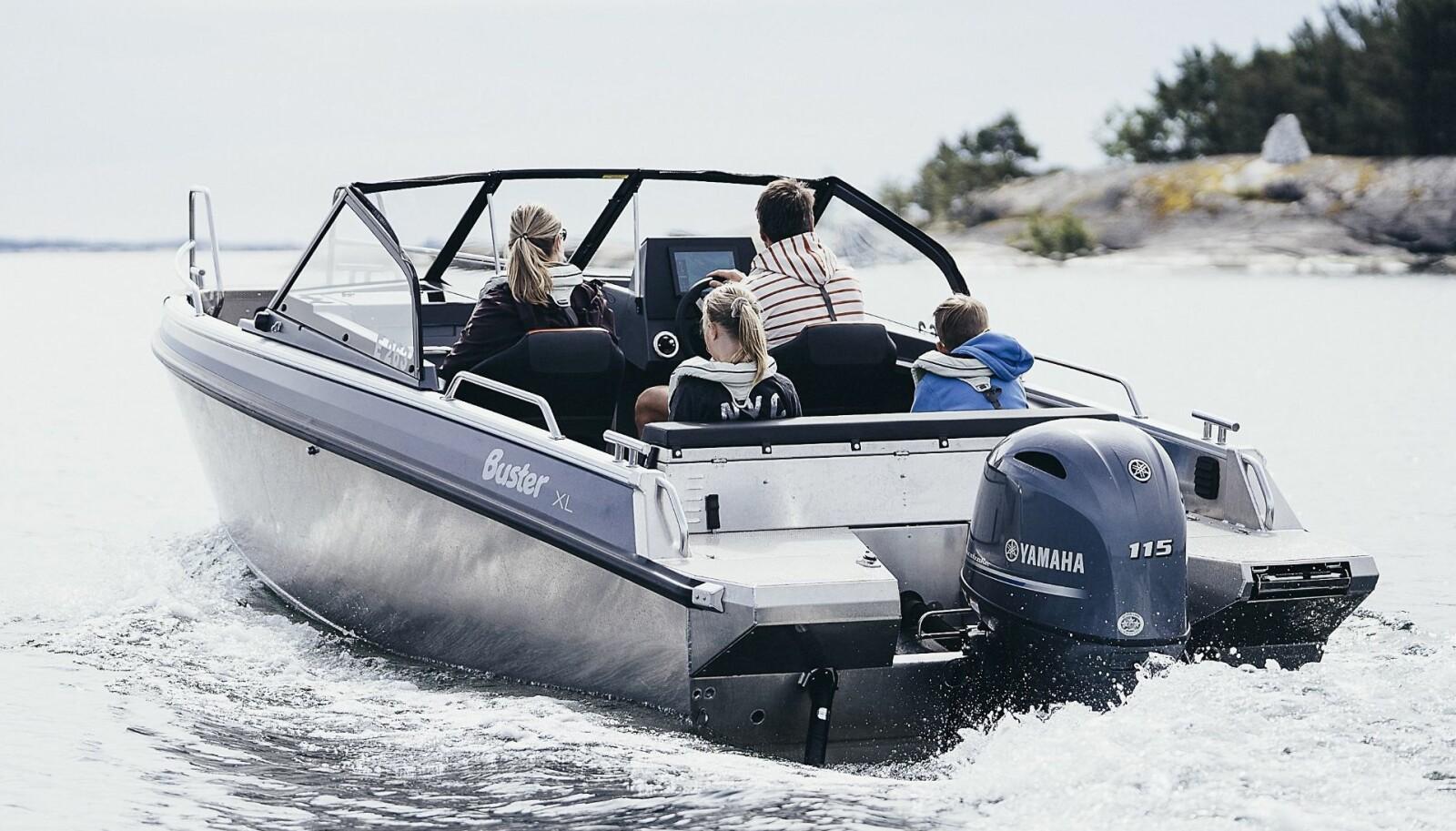 <b>BUSTER XL:</b> En røff aluminiumsbåt i seksmeters-klassen. En båttype som tiltaler mange nordmenn.