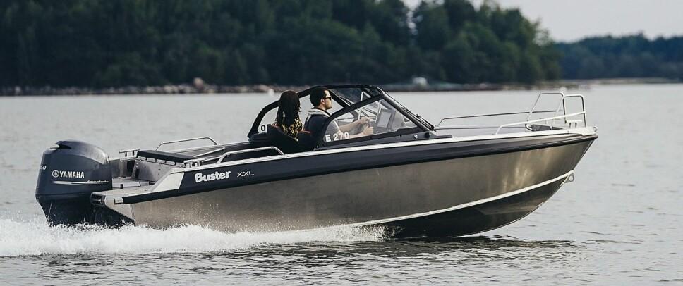 <b>BUSTER XXL:</b> 20 cm lengre, tåler større motor og mer last enn lillebror XL.