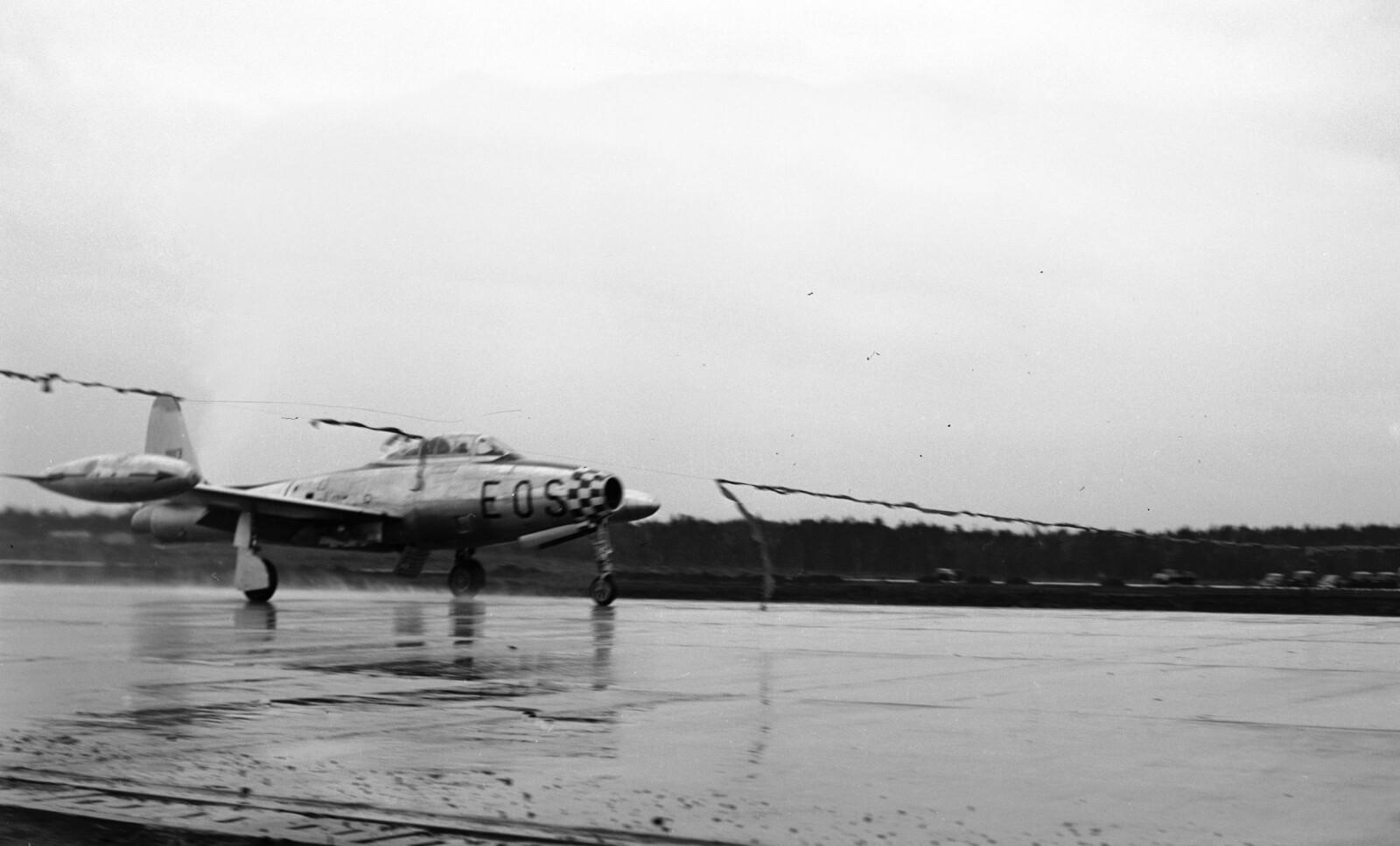 <b>ÅPNINGEN:</b> Åpningen av Rygge flyplass fant sted i 1954 og snoren ble klippet av et fly.