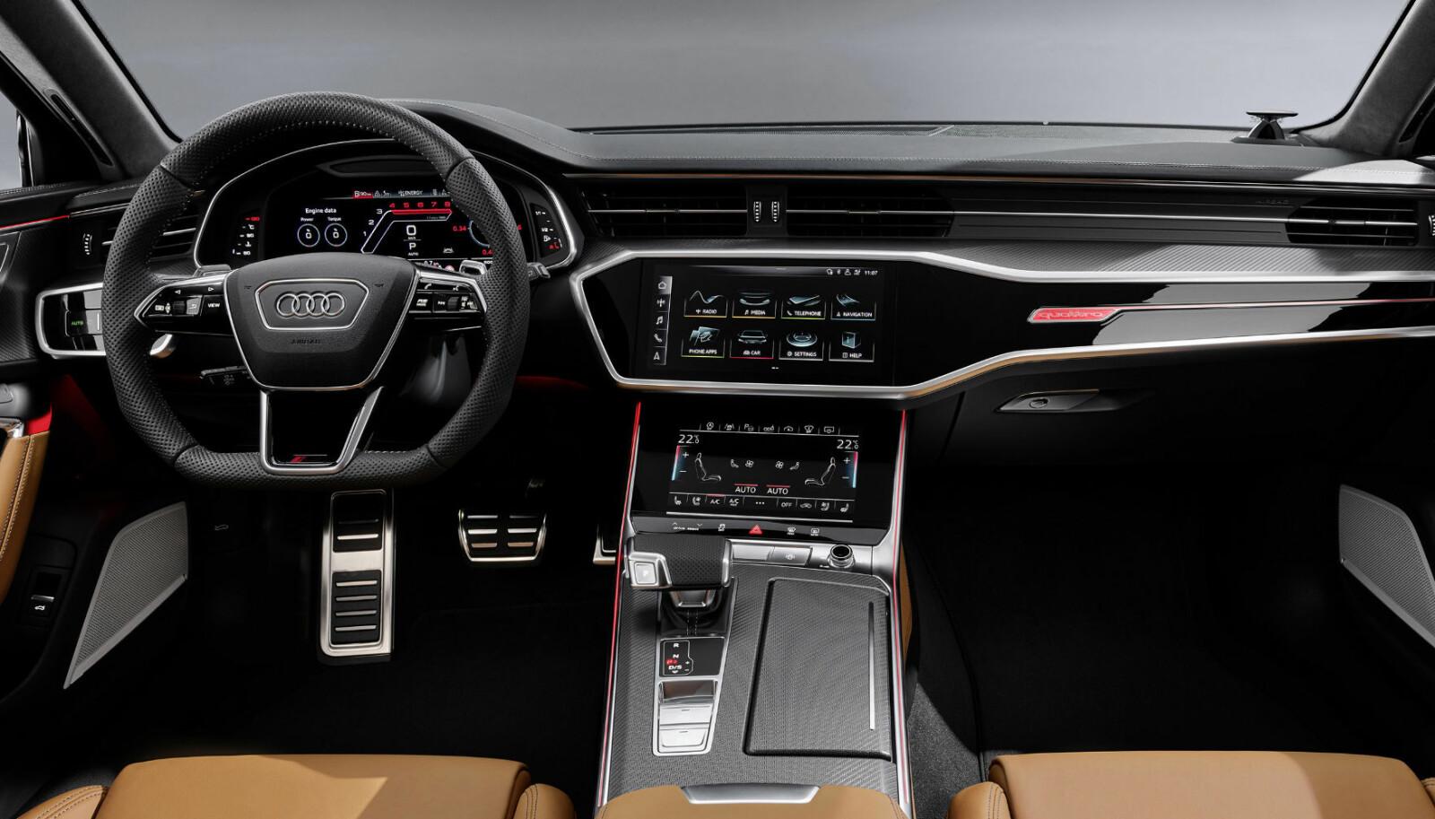 <b>VELG OG VRAK: </b>Føreren kan velge mellom seks ulike kjøreinnstillinger gjenno «Audi Drive select»-systemet. To av innstillingene, RS1- og RS2, kan konfigureres individuelt, og aktiveres med en dedikert «RS-MODE»-knapp på rattet. «Audi drive select»-systemet påvirker motorstyringen, servostyringen, understellet, den dynamiske firehjulsstyringen, quattro sportsdifferensialen, motorlyden og det automatiske klimaanlegget. RS2-modus har dessuten som spesifikk oppgave å påvirke den elektroniske stabilitetskontrollen (ESC), bare med å trykke på en knapp (sportsmodus). ESC kan også slåes helt av.