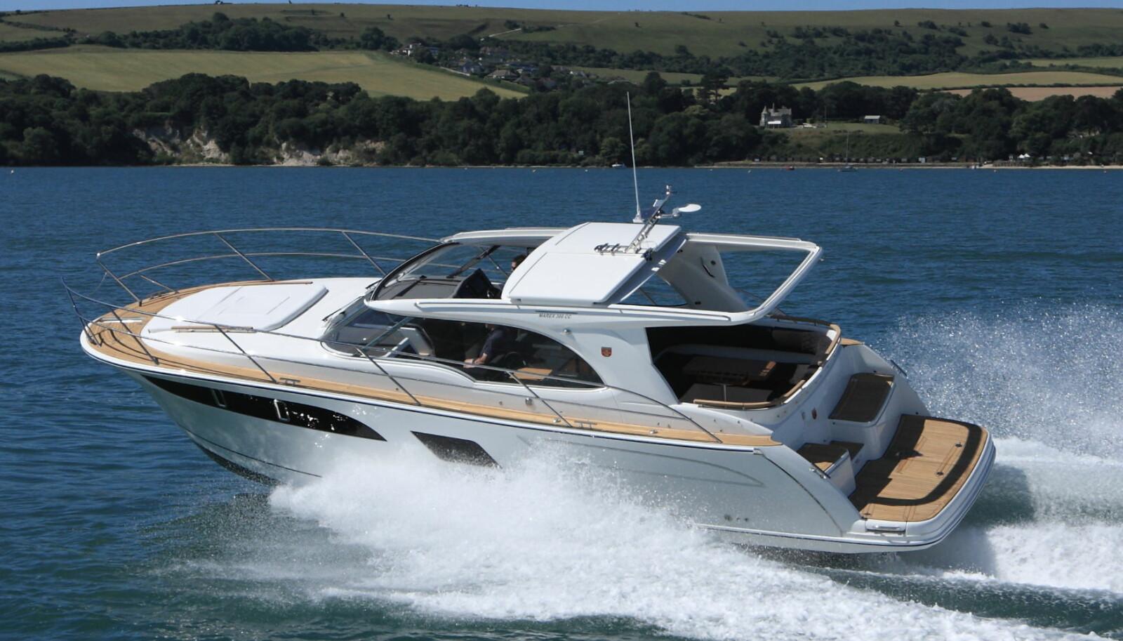 <b>ALLSIDIG:</b> Den nye tur- og feriebåten Marex 360 Cabriolet Cruiser kan bli en suksess
