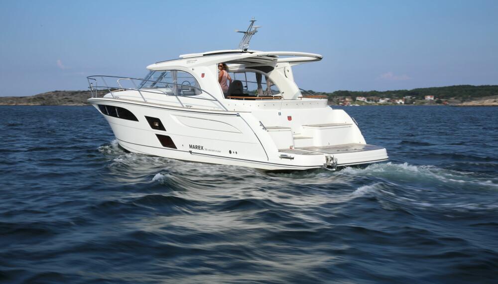 LANGTUR: Marex 360 Cabriolet Cruiser kan takle de fleste forholdene du opplever på en ferietur i nordiske farvann.